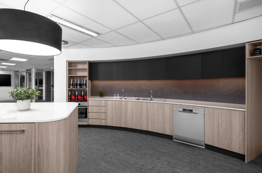 Clean and well organized kitchen by Synergy Canberra